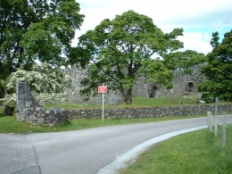The approach to Inverlochy Castle